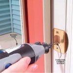 Reparando la puerta