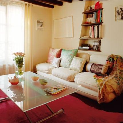 Consejos para ahorrar espacio en peque as reas de estar - Ideas salon pequeno ...