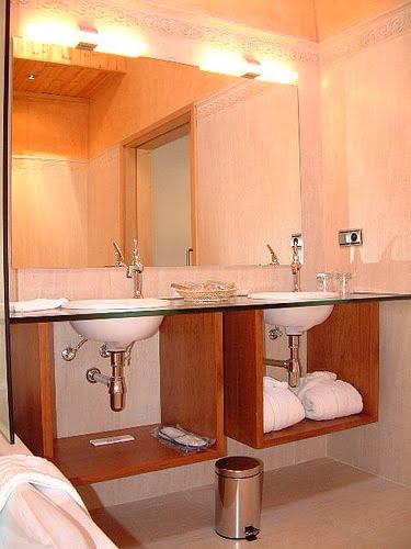 Cuarto de ba o h galo funcional y agradable a la vista - Accesorios cuarto de bano ...