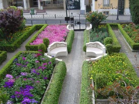 Jard n delantero 4 pasos f ciles para hacerlo atractivo for Ideas faciles para decorar jardines
