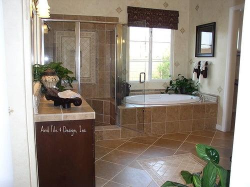 Que piso elegir para el cuarto de ba o ideas para decorar - Piso vinilico para bano ...