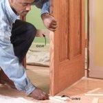 ¿Cómo colgar una puerta interior?