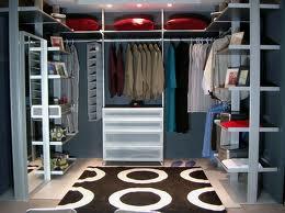 a medida que pasan las estaciones del ao ms y ms personas compra todo tipo de ropa y con el tiempo se necesita ordenar nuestra habitacin y por su