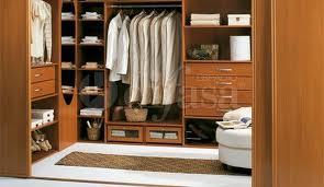 armarios empotrados para ahorrar espacio