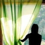 El aumento eficiente de energía con cortinas y ventanas