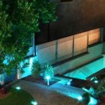 Disfrutar de las noches de verano en el jardín