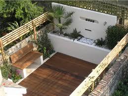 Muros de contenci n en tu patio trasero ideas para decorar - Como decorar un muro de hormigon ...